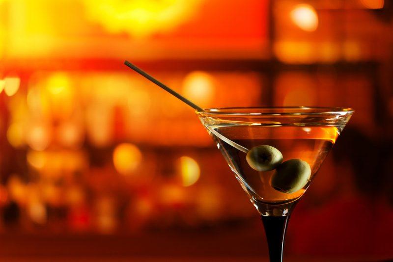 Коктейль с коньяком и соком на основе мартини