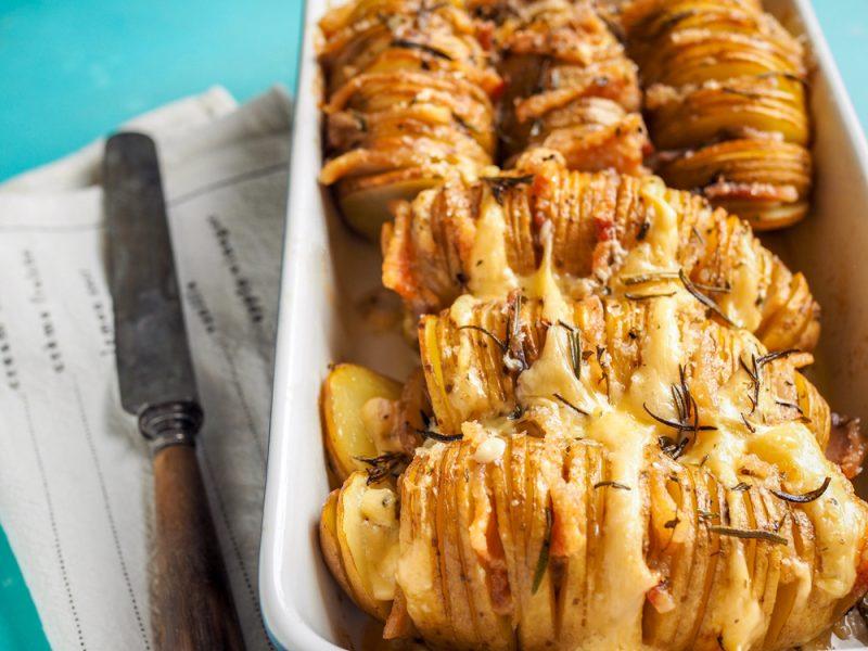 Оригинальная деревенская картошка в духовке: рецепт с фото