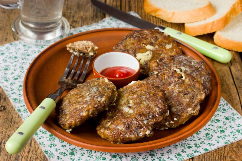 Оладки из печени, картофеля и панировки