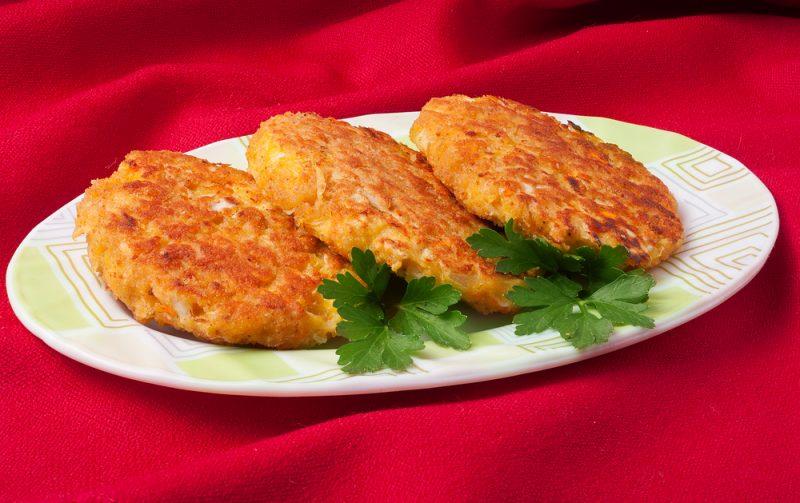 Морской рецепт ежиков из фарша и риса