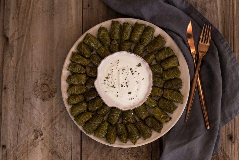Долма по-армянски с говядиной и овощами