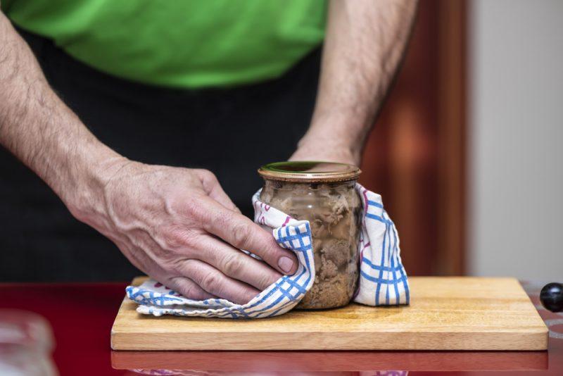 Свиная тушенка: рецепт с фото