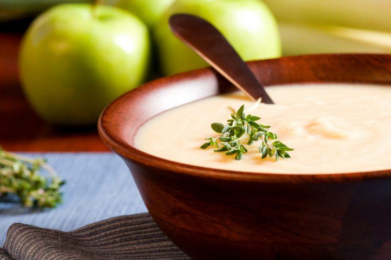 Яблочный суп: рецепт с фото