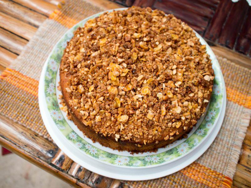 Овсяный торт из пряников и сметаны: рецепт с сухофруктами