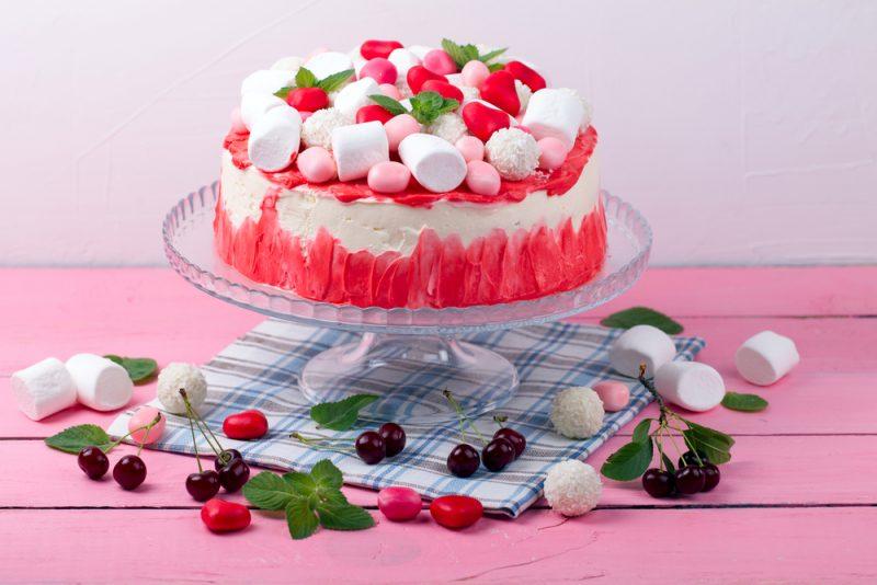 Как украсить торт из пряников?