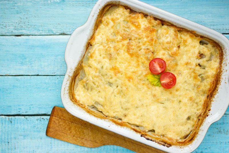 Французский рецепт: фарш, картошка, сыр в духовке