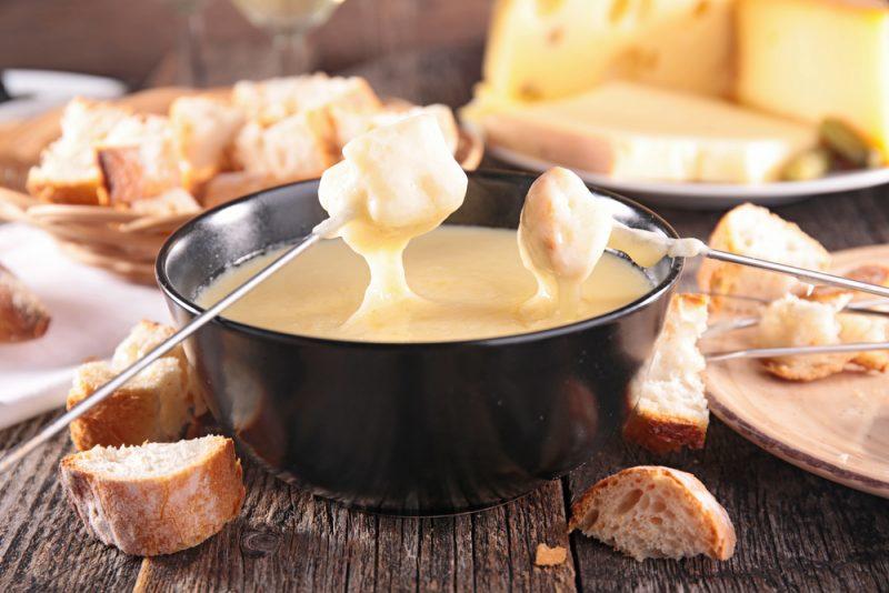 Классический рецепт сырного фондю