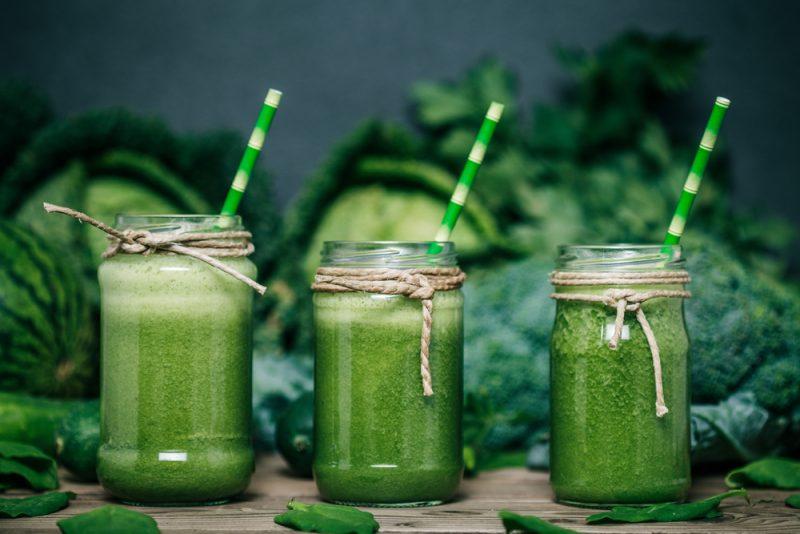 Очищающий коктейль для похудения на основе зеленых овощей