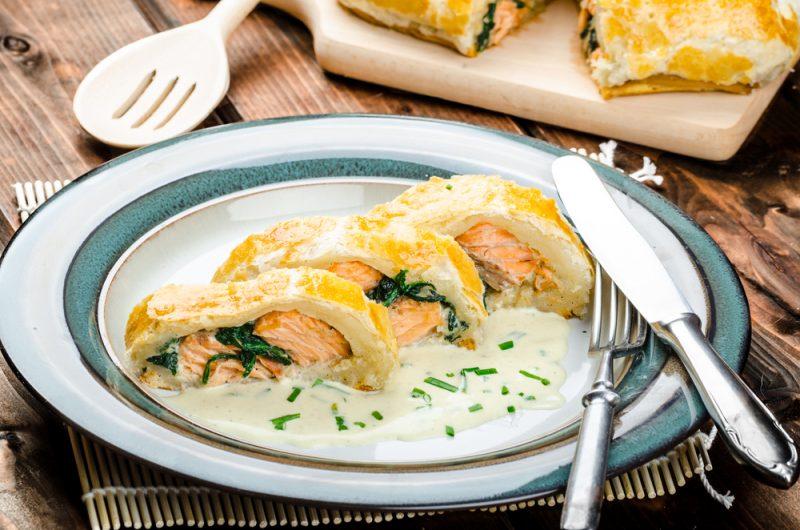 Рецепт домашнего рулета с рыбой и сливочным сыром