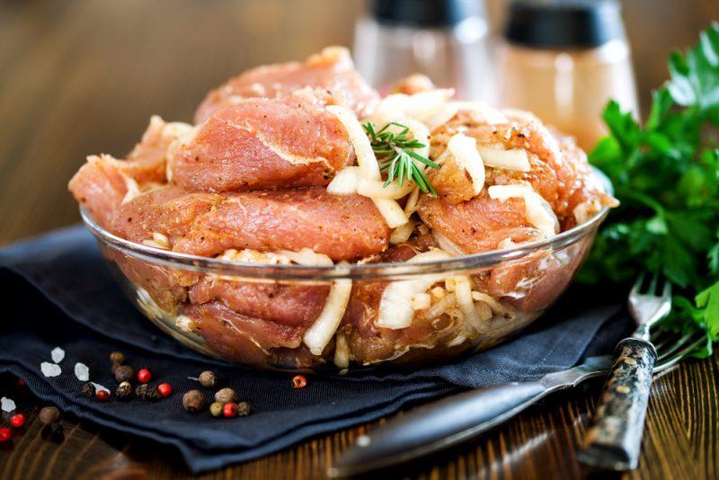 Маринад для свиного шашлыка: 10 рецептов | | 534x800