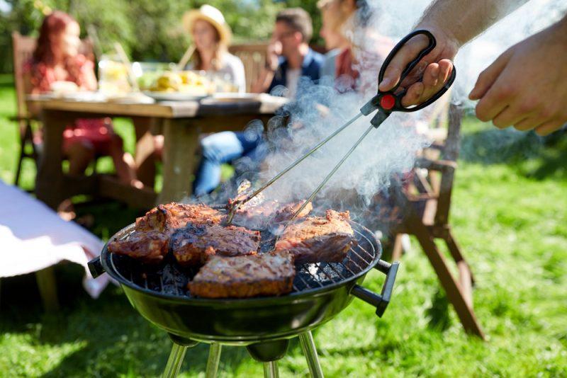 Свинина на мангале в классическом маринаде для барбекю