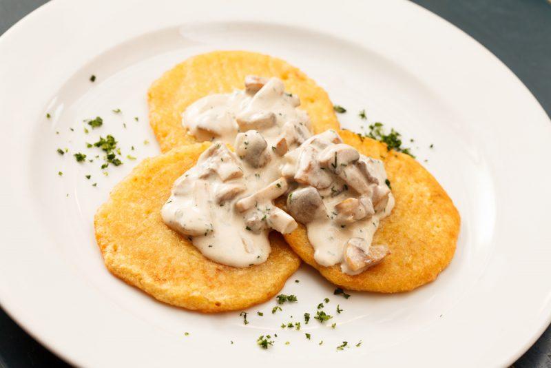 Рецепт драников из картошки, грибов и сыра