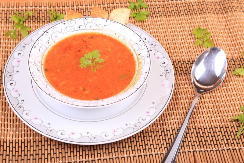 Рисовый суп с томатной пастой