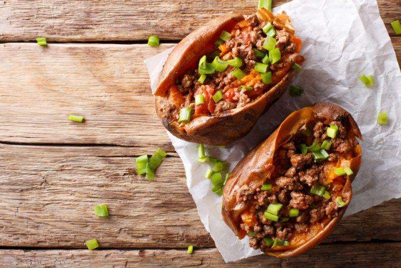 Картофель, запеченный с фаршем в духовке: рецепт порционный