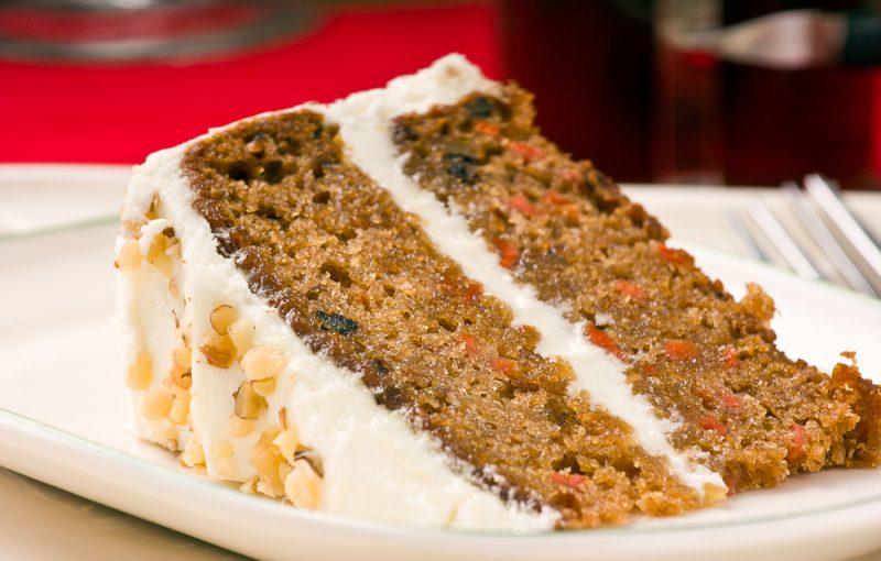Морковный пирог с творожной начинкой