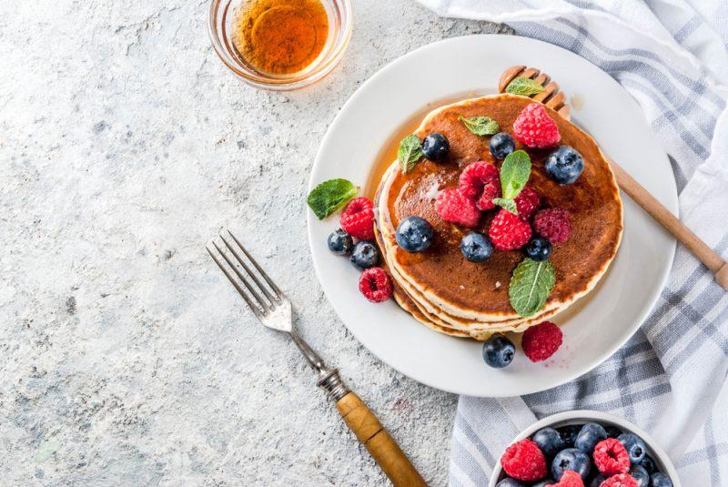 Как приготовить вкусные панкейки: классический и альтернативные рецепты с фото
