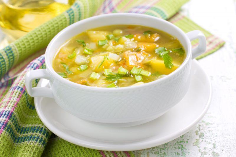Куриный вкусный суп с клецками