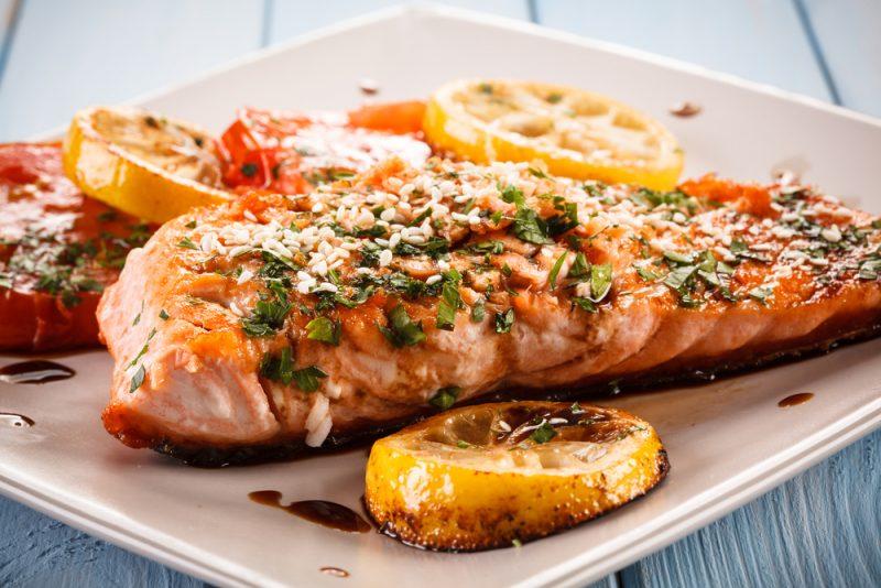 Рыба жареная с соевым соусом