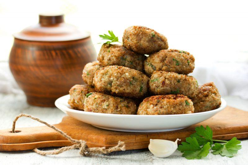 Аппетитный рецепт мясных зраз с грибами