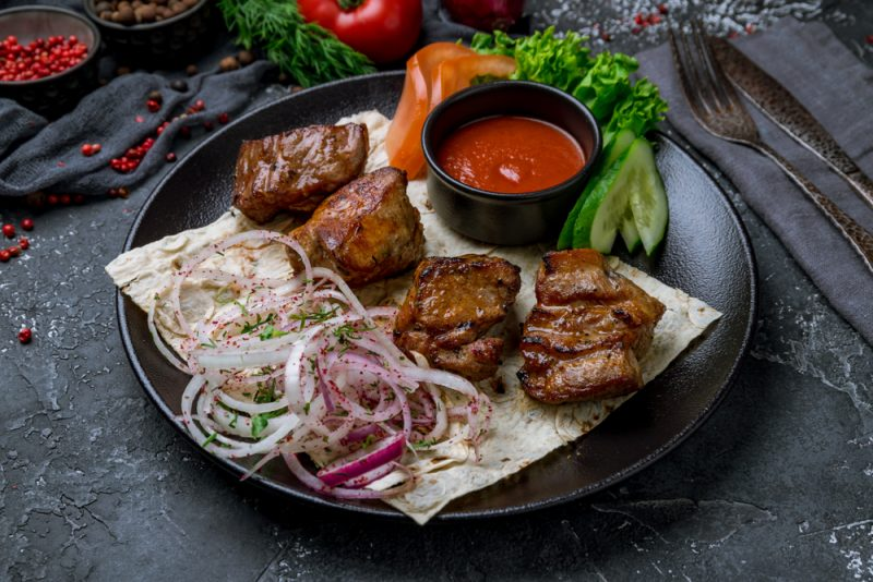 шашлык на кефире из свинины рецепт