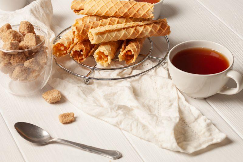 Хрустящий рецепт вафельных трубочек