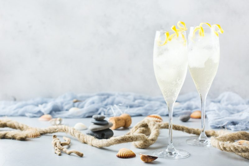 Оригинальные коктейли с шампанским: рецепты с мартини