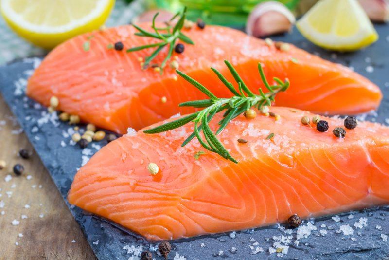 Рецепт быстрой засолки красной рыбы в рассоле