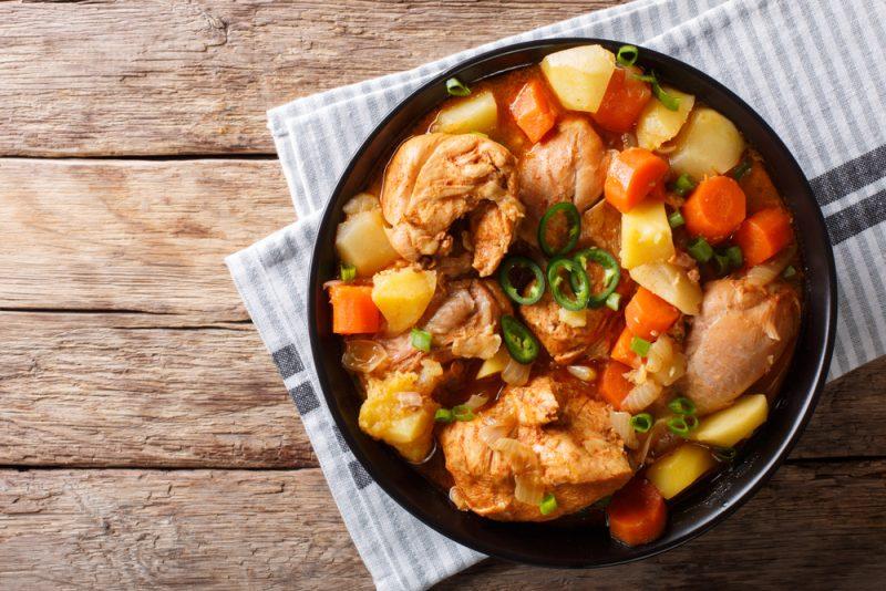 Рецепт рагу из курицы с картошкой и овощами