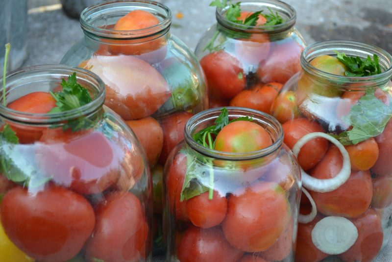 Вкусные помидоры на зиму: рецепты на скорую руку