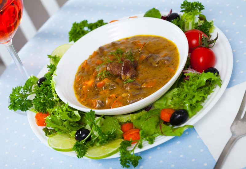 Рецепт третий: овощное рагу с курицей и картошкой