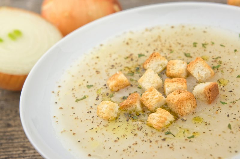 Луковый суп-пюре гратини