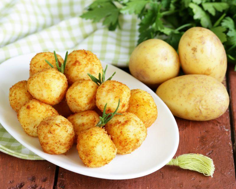 Картофельные колобки с начинкой
