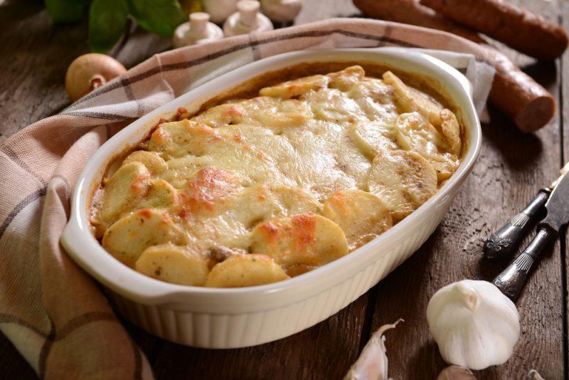 Картошка с лисичками в духовке