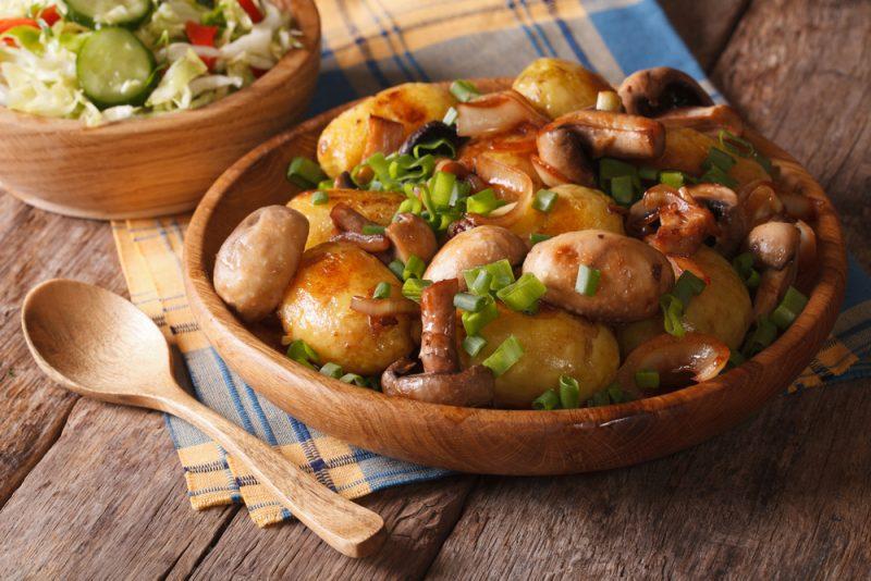 Картошка, запеченная с маслятами