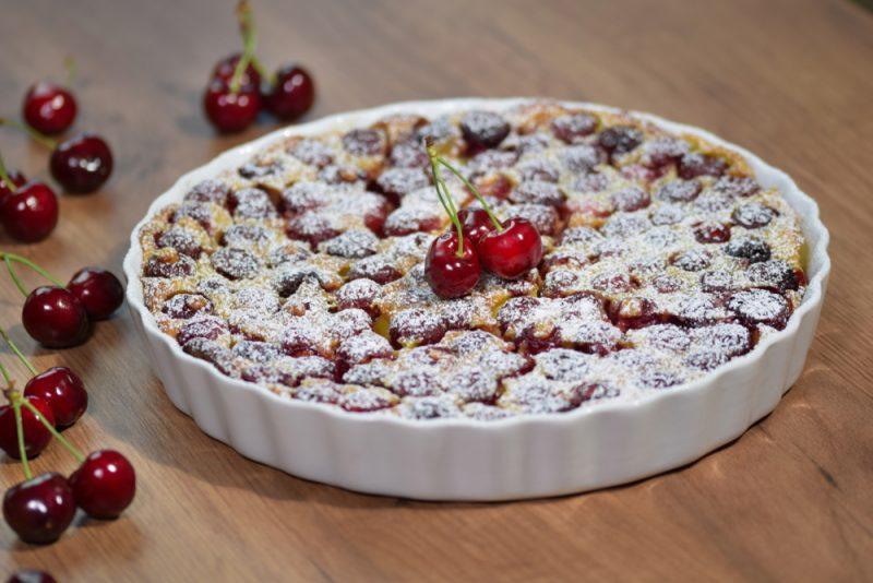 Вишневое искушение: песочный пирог с вишней