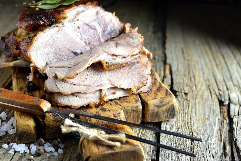 Свиная корейка в чесночно-луковом маринаде