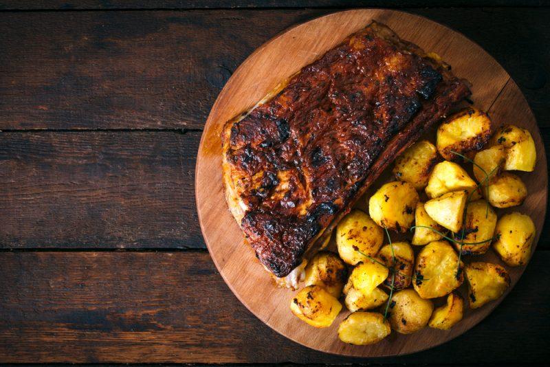 Аппетитные рецепты свинины с картошкой в духовке
