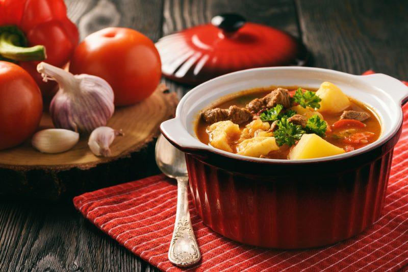 Мясо в горшочках: 7 способов приготовления и полезные советы