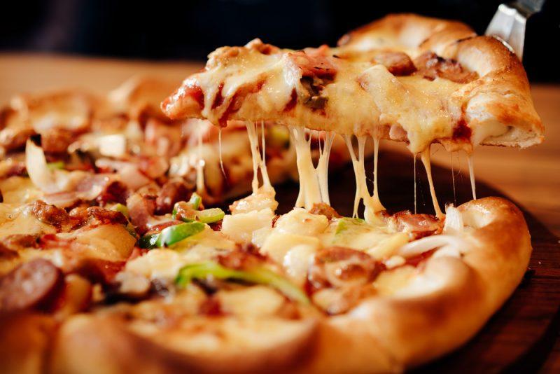 Домашняя пицца Пепперони с оливками