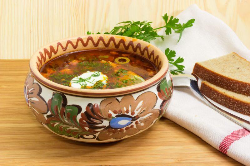 Второй рецепт простой и вкусной солянки - это небольшое ответвление от классической сборной солянки. Солянка по-грузински.
