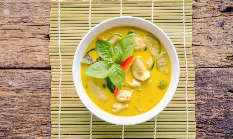 Тайский кокосовый суп с фрикадельками