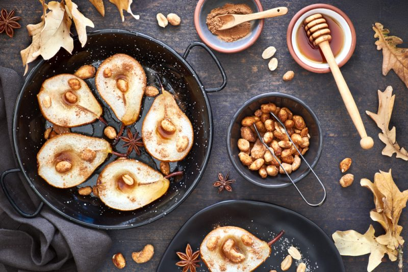 Запечённые груши с мёдом и орехами