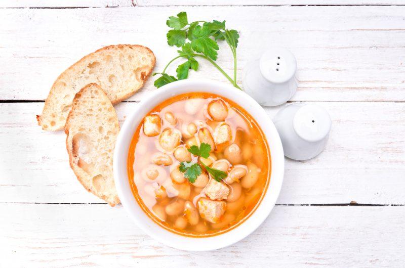 Диетический куриный суп с фасолью:рецепт на каждый день