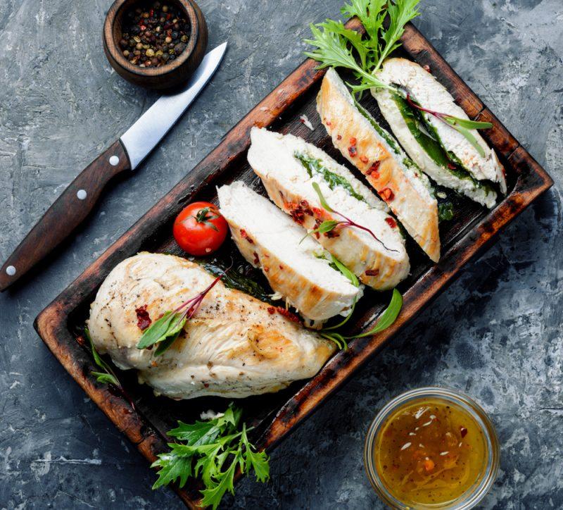 Куриная отбивная на сковороде: рецепт с фото с творогом и зеленью