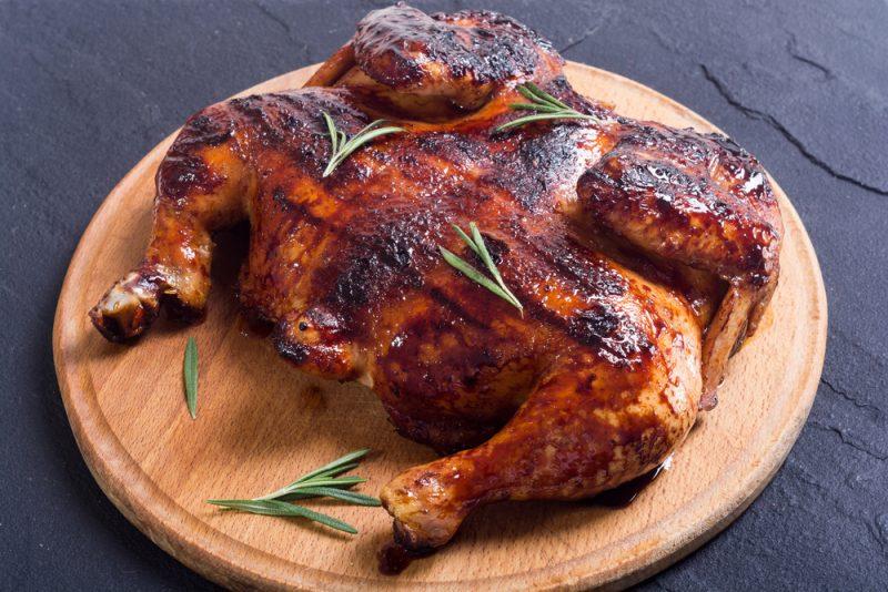 Хрустящая курица в духовке целиком: рецепт с фото