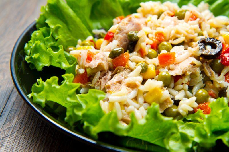 Рыбный салат сытный