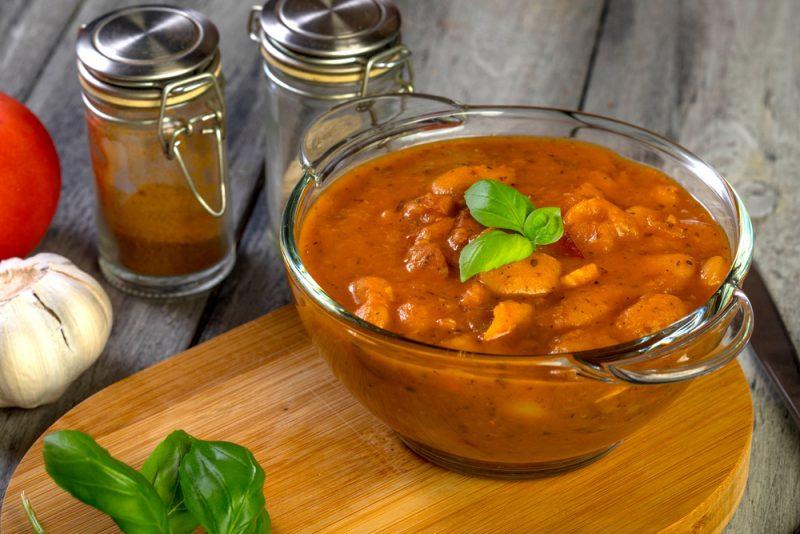 Свинина в томатах и соусе