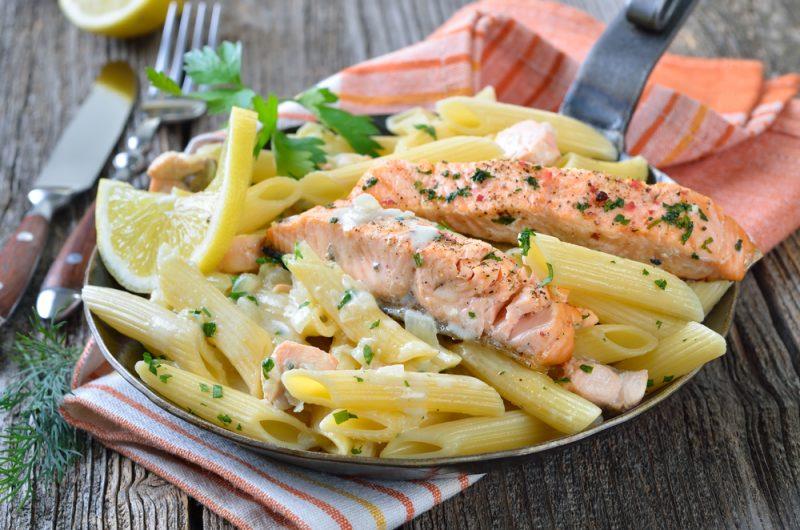 Классическая паста с семгой в сливочном соусе: рецепт для начинающих поваров