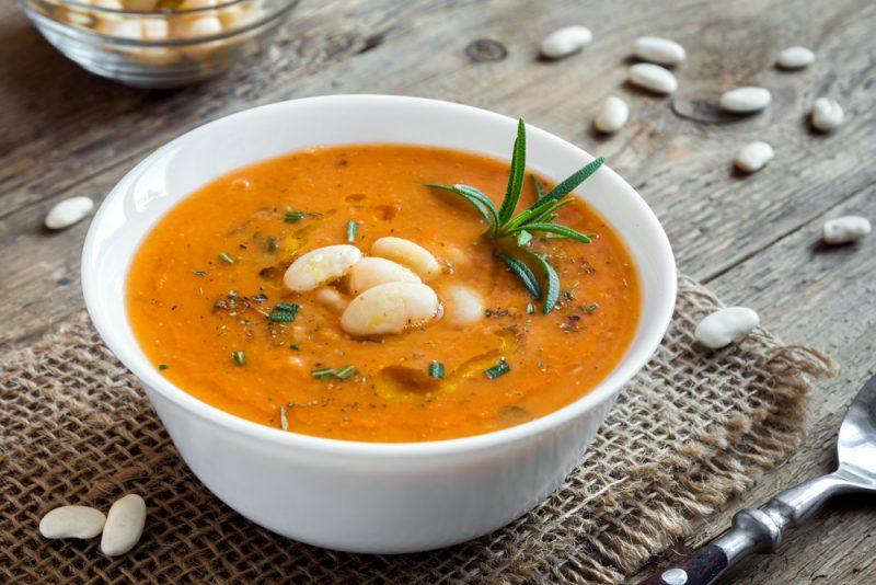 Нежный суп с фасолью: рецепт с фото