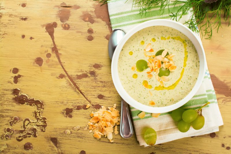 Какой суп можно приготовить, чтобы удивить гостей?